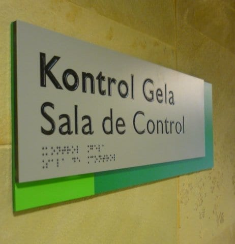 Señalética braille