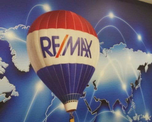fotomural-pared-textil-grafia-remax