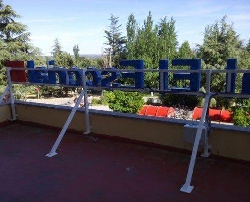 Rótulo corpóreo luminoso para el hospital El Escorial parte trasera