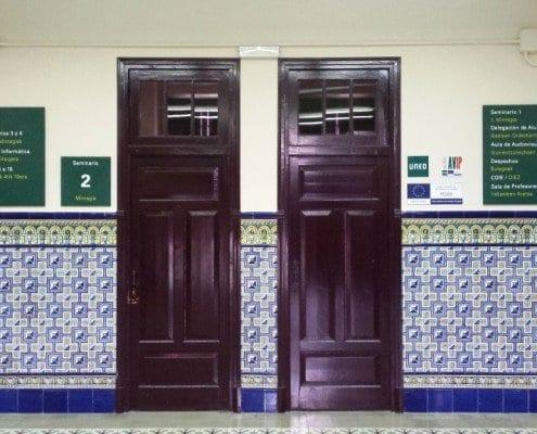 Señaletica paredes-UNED