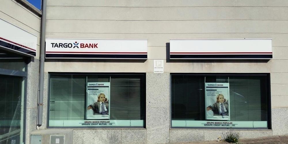 Rotulos para bancos targobank menorca rotulos xprinta for Oficinas targobank