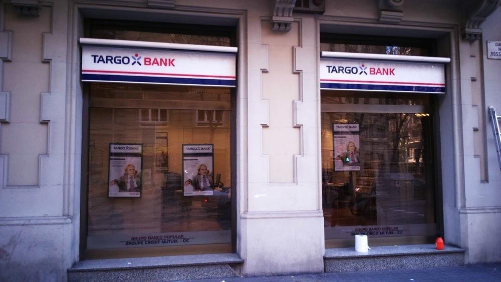 ROTULACION PARA BANCOS TARGOBANK BARCELONA