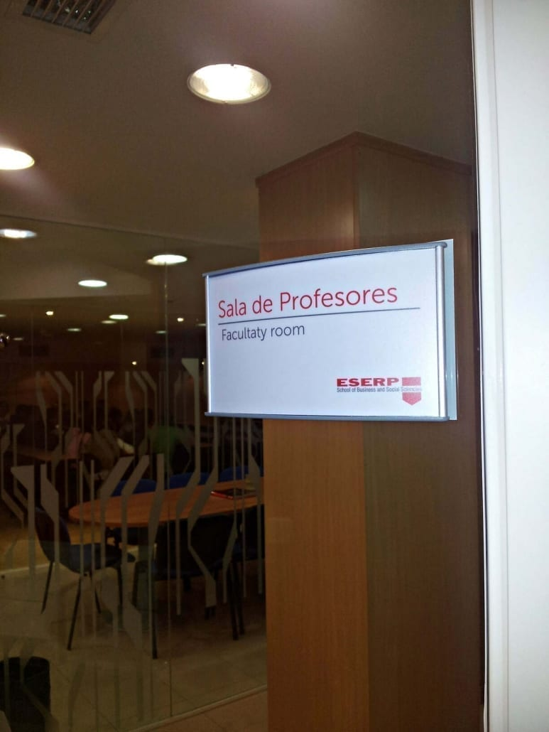 ESERP Señalización para universidad