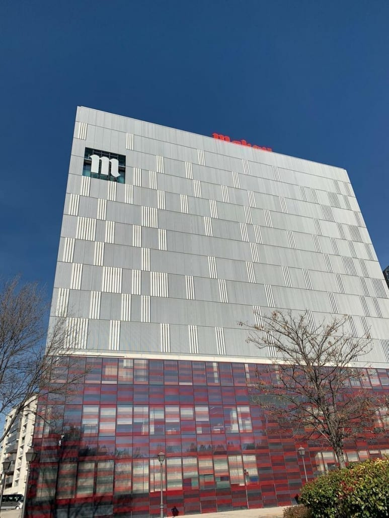 Logotipo para fachada