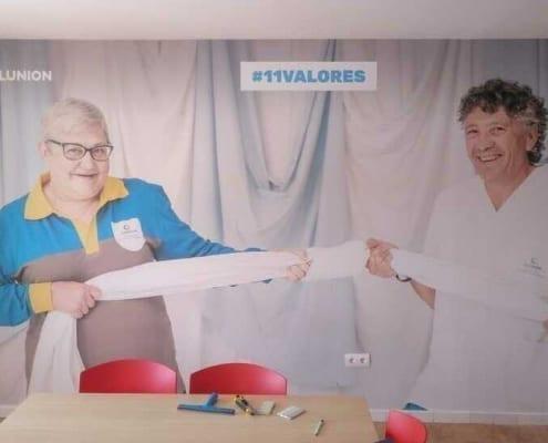 Vinilo para pared de oficina Ilunion Cuenca