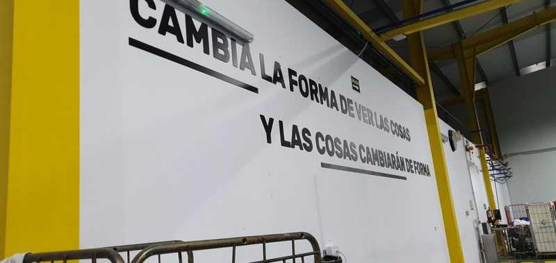 Letras corpóreas a pared Ilunion Cartaya
