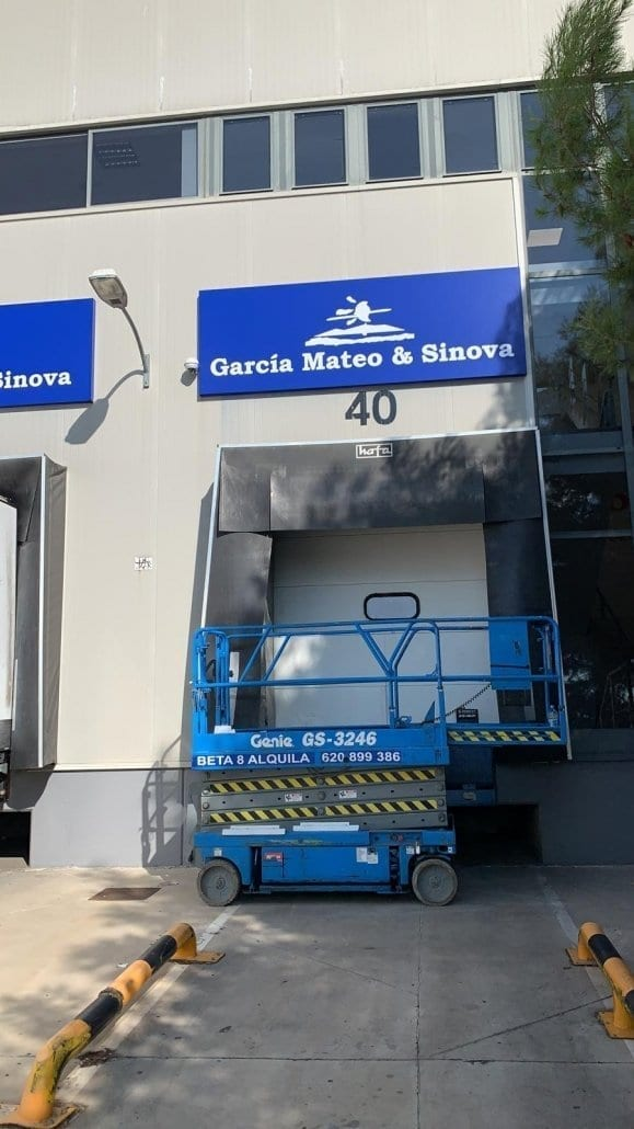 rotulos para muelles de carga en Madrid