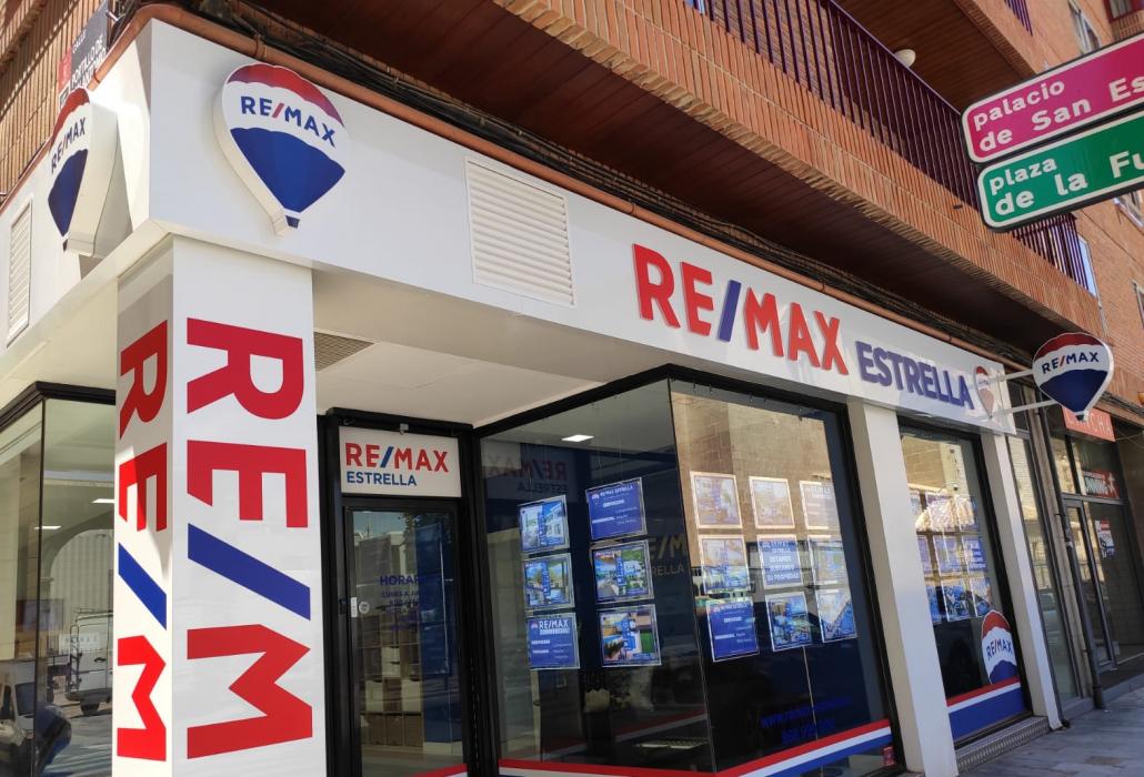 remax estrella fachada